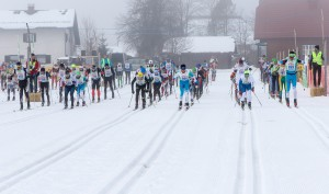 30.01.2016, Bad Mitterndorf, AUT, 37. Internationaler Steiralauf, 30 km Klassische Technik, im Bild der Massenstart // start during the 37th international Steiralauf 30 km Classic in Bad Mitterndorf, Austria on 2016/01/30. EXPA Pictures © 2016, PhotoCredit: EXPA/ Martin Huber